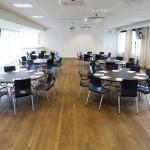 Konferenslokal med runda bord
